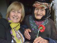 Dikili Belediyesinden Anneler Günü ziyaretleri