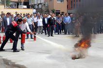 Karabağlarda yangın eğitimi ve tatbikatı